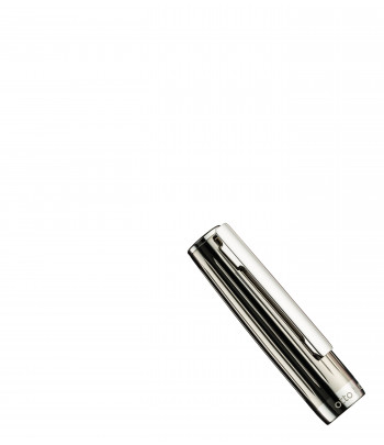 Stylo à Plume Otto Hutt Design 07 - Détail Capuchon Laiton Platiné, Laque transparente noire
